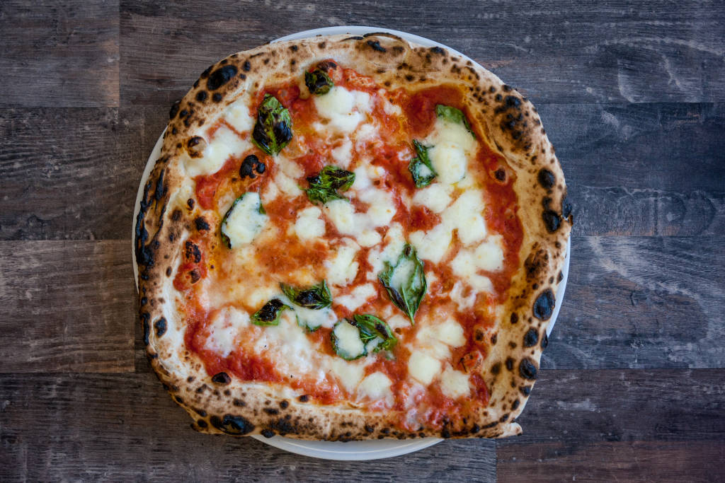 Rome/Naples_pizza