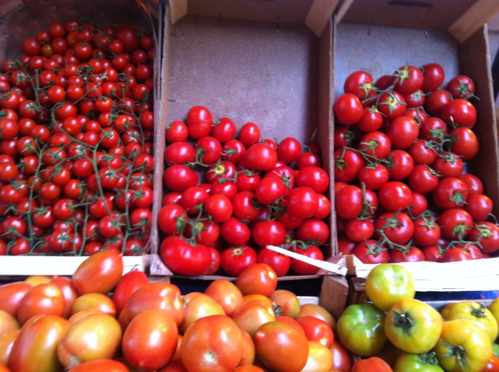 tomatoes in Italian farmer's market