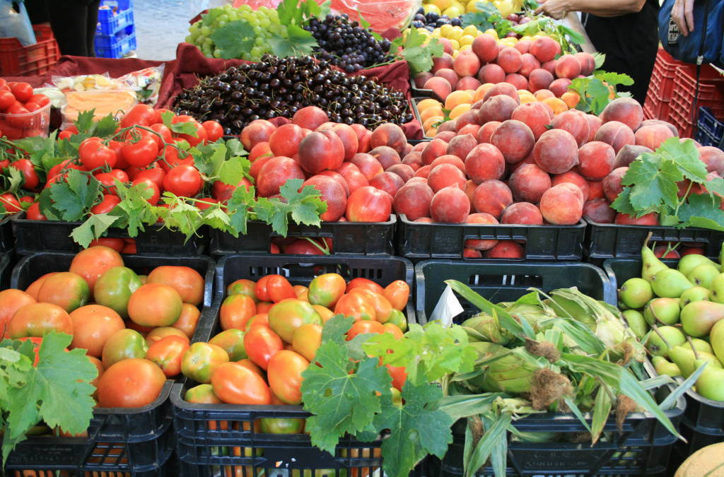 What fruit and vegetables are in season in August in Italy?