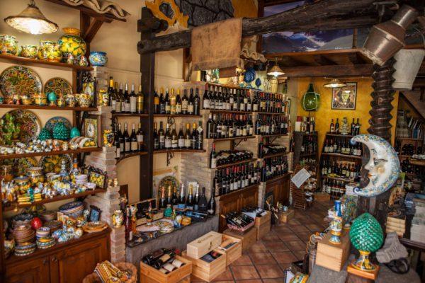 Il Vino della Rosa Enoteca Linguaglossa, Sicily