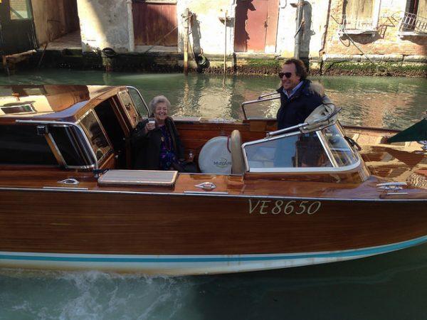 Prosecco on board Vanessa2 Venice · www.casamiatours.com