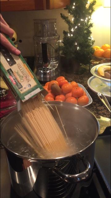 spaghetti in water