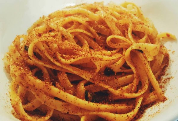 Pasta with anchovies and breadcrumbs · www.casamiatours.com