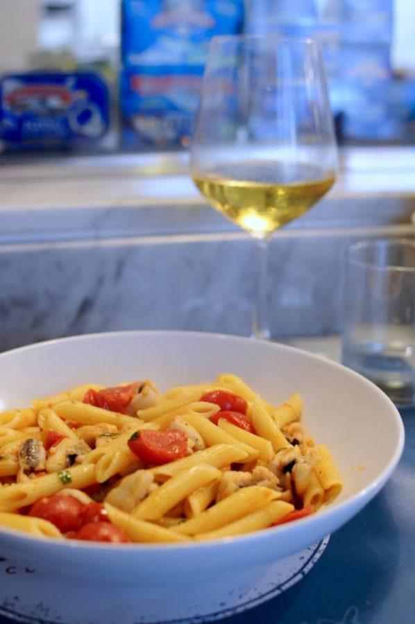 Eating at La Lisca Cucina e Bottega in Ortigia · www.casamiatours.com