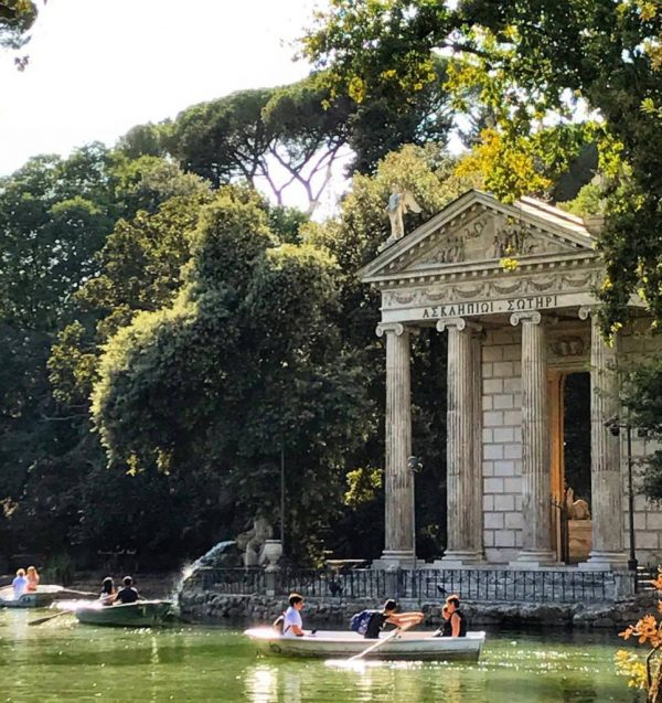 Villa Borghese lake