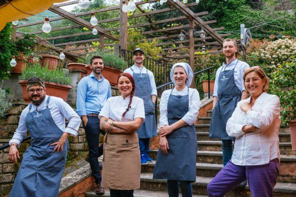 Hosteria da Amedeo staff+owners