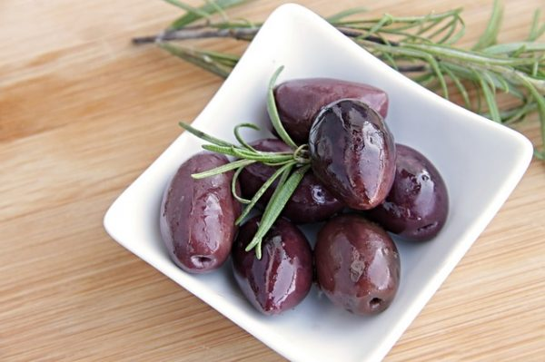 puttanesca made with olives