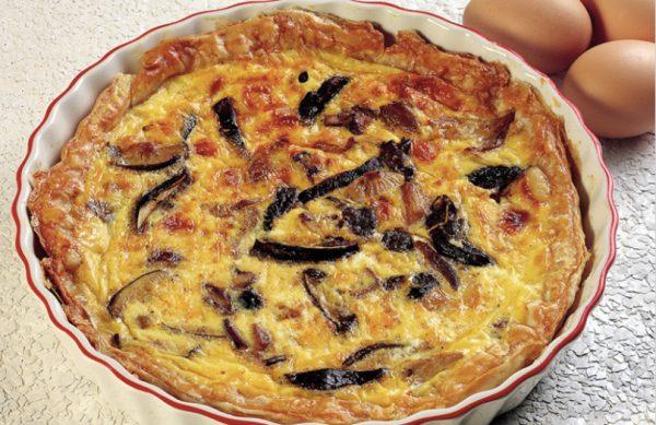 italian mushrom recipes: pizza rustica with mushrooms and pancetta