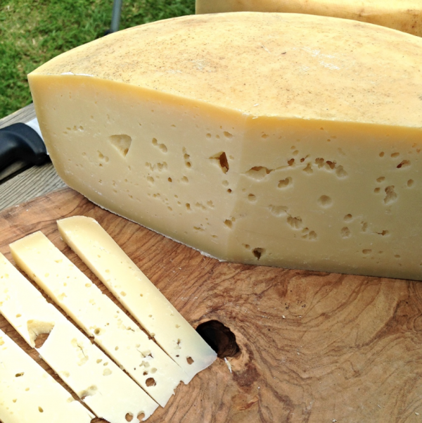 how to cut alpine style cheese